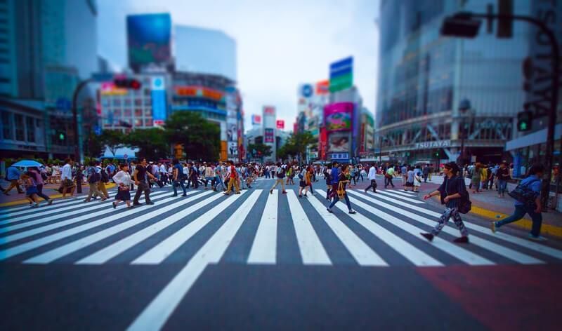渋谷を行き交う人の画像